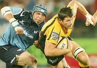 gurthro_steenkamp_tackles_david_pusey_330