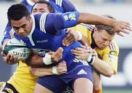 jerome_kaino_tackled_by_jimmy_gopperth_330