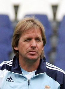 Schuster hits out at Reds