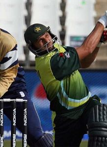 Afridi fires for Pakistan