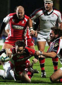 Ryan Lamb against Ulster in round one of the Heineken Cup