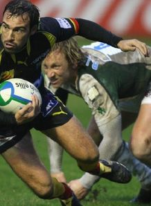 Cedric Rosalen and Peter Richards battle fopr the ball in Heineken Cup action