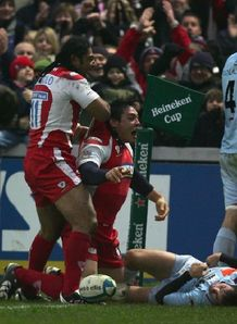 Gareth Delve celebrates scoring for Gloucester v Bourgoin