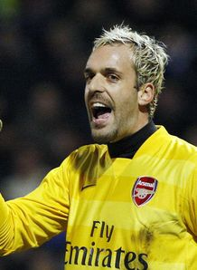 Almunia still keen on England