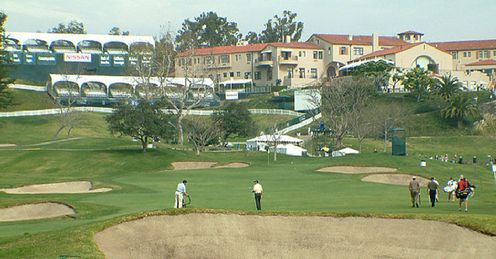 Riviera's 9th hole and clubhouse