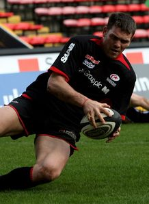 Sarries run riot over Leeds