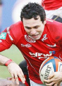 Stephen Jones Scarlets try