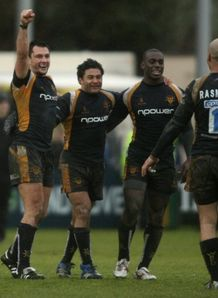 Worcester celebrate beating Gloucester in the league