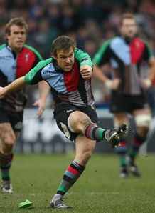 Quins boost play-off hopes