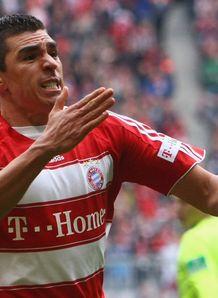 http://img.skysports.com/08/04/218x298/Bayern_Munich_v_Bochum_Lucio_celeb_771439.jpg