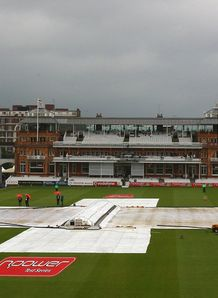 Sussex frustrated by rain