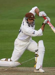 Surrey bat out for draw