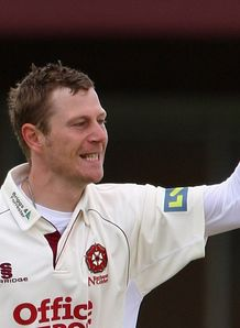 Northants roar past Glamorgan