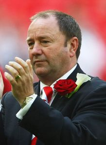 Top Ten: Football League Bosses
