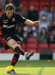 Sarries smash Falcons