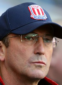 Pulis looks to lift mood