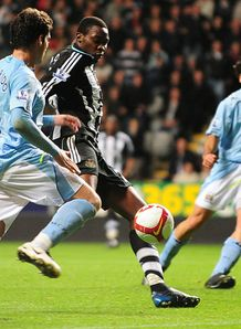 Kinnear wants Ameobi reaction
