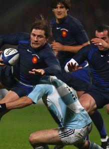 France beat 14-man Islanders