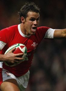 Lee Byrne scores against Australia in Wales