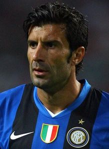 Figo announces retirement