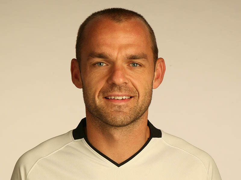 The 40-year old son of father (?) and mother(?), 175 cm tall Danny Murphy in 2018 photo