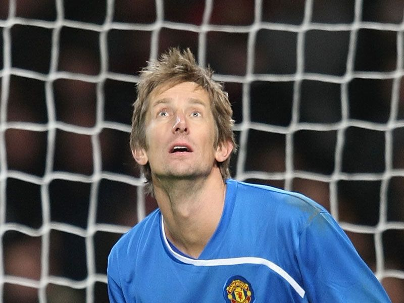 Van der Sar signs Utd deal | Manchester United | Premier League | Euro ...