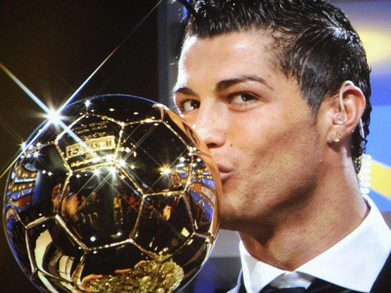 http://img.skysports.com/08/12/800x600/Cristiano-Ronaldo-Ballon_1592204.jpg