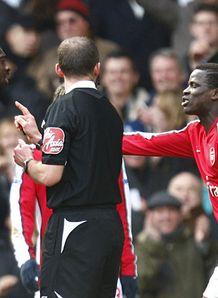 Emmanuel Eboue sent off Spurs v Arsenal Premier League