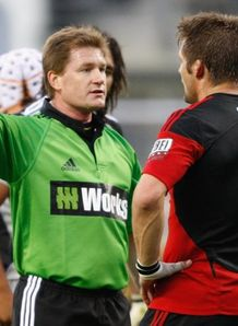 Stuart Dickinson gives McCaw a yellow card