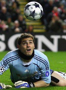 http://img.skysports.com/09/03/218x298/Iker-Casillas-3_2089845.jpg