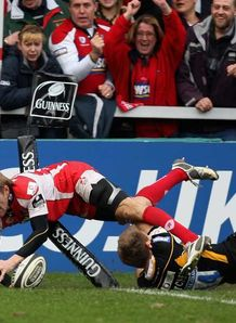 Gloucester move clear at top