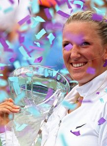 Azarenka rules in Miami
