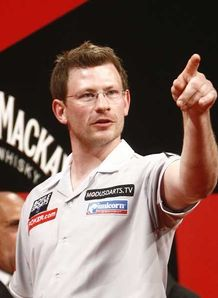Wade downs nine-dart Taylor