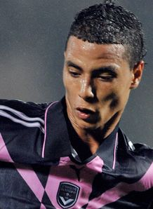 Chamakh commits to Bordeaux