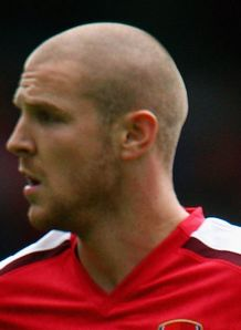 Cottagers eye Senderos deal