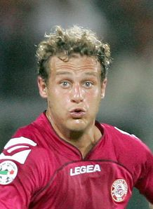 Hammers to land Diamanti