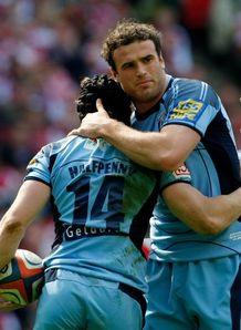 Jamie Roberts hugging Leigh Halfpenny