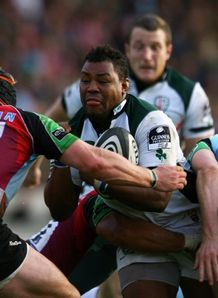 Steffon Armitage sandwiched against Harlequins