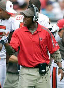 Morris talks about makeshift Bucs before taking over as team head coach