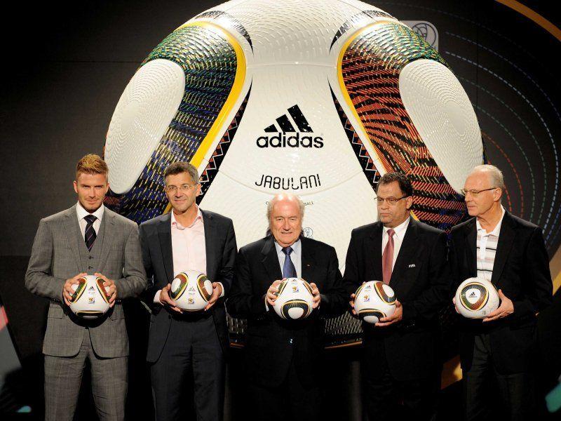 Todo sobre Sudafrica 2010 David-Beckham-Herbet-Hainer-Sepp-Blatter-Dann_2394093