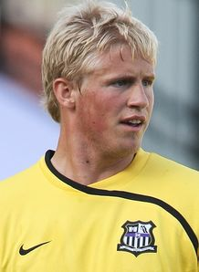 Leeds snap up Schmeichel