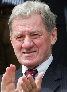 Mandaric insists Sousa staying
