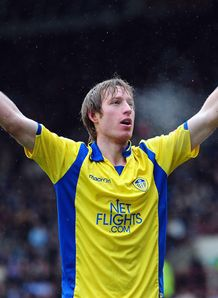 O'Brien urges Becchio to sign