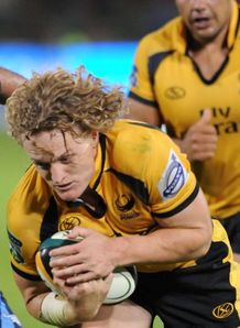 Cross switches to Waratahs