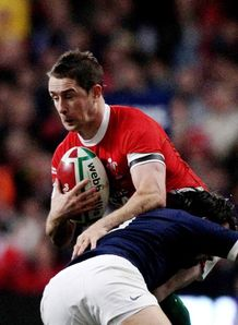 Shane Williams tackled by Parra