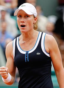 Stosur stuns Serena in Paris