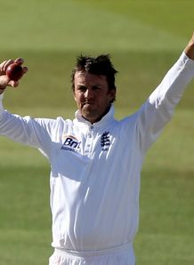 Swann snubbed for top award