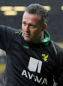 Lambert signs new Norwich deal