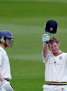 Notts crush Durham