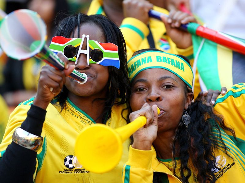 Vuvuzela-South-Africa-Fans-World-Cup-Gro